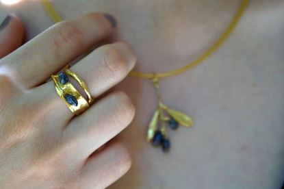 Fancy Ring, Real Olive branch