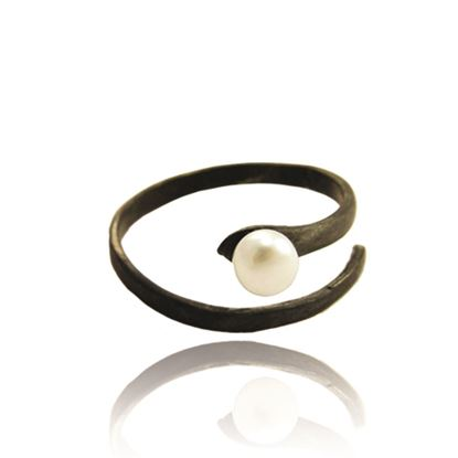 Picture of Black Pearl Ring